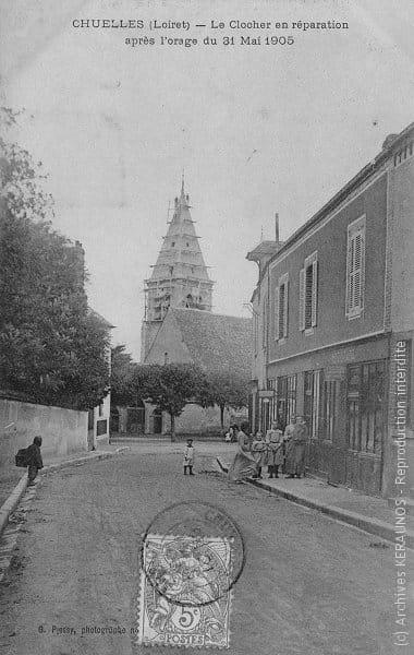 CHUELLES (Loiret) - Le clocher en réparation après l'orage du 31 mai 1905