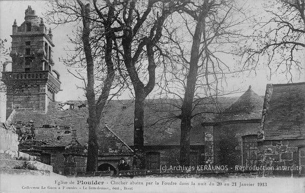 PLOUIDER (Finistère) - Clocher abattu par la foudre