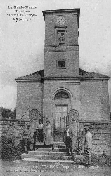 SAINT-BLIN (Haute-Marne) - Clocher endommagé par la foudre après l'orage du 7 juin 1917