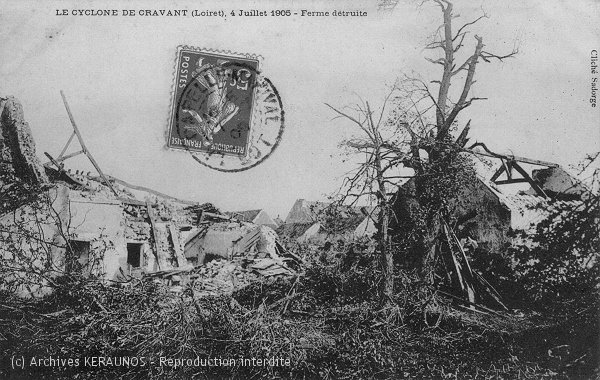 CRAVANT (Loiret) - Une ferme après la tornade du 4 juillet 1905