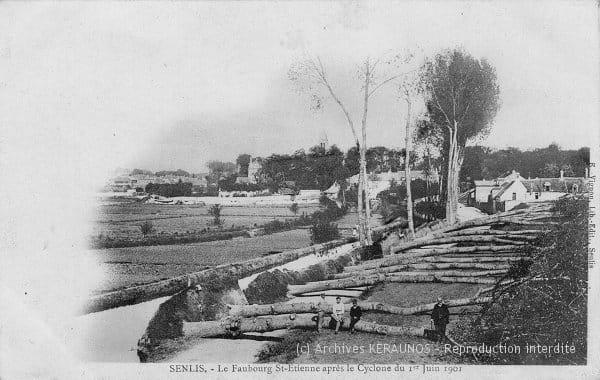 SENLIS (Oise) - Faubourg Saint-Etienne après les rafales destructrices du 1er juin 1901 - Arbres centenaires couchés