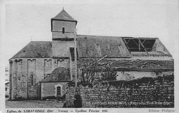 LIMALONGES (Deux-Sèvres) - La toiture de l'église en partie enlevée après le phénomène venteux du 23 février 1935